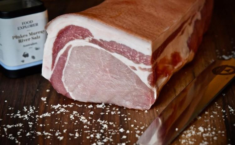 Dry Aged Schweinerücken mit Kartoffelstampf und Spinat