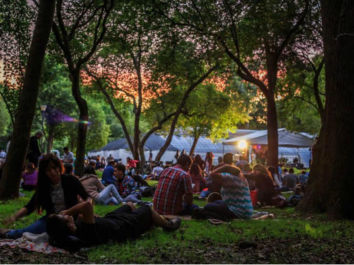Picnic nocturno en chapultepec d nde ir for Conciertos jardin botanico 2017