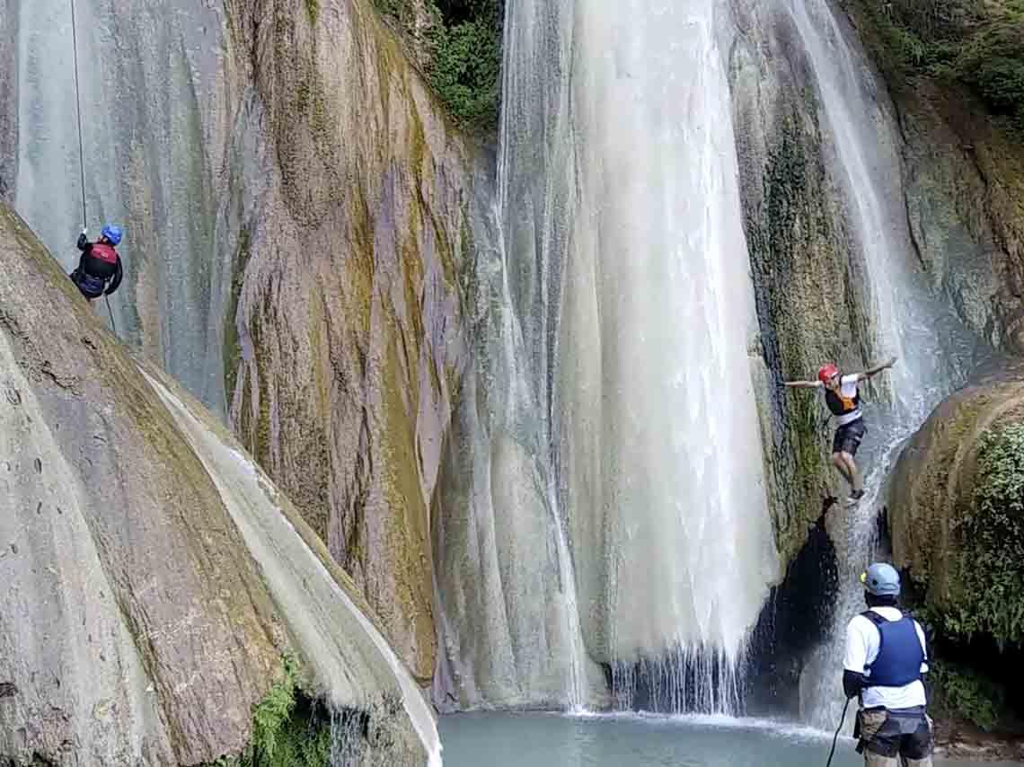 experimenta-aventura-en-mil-cascadas-en-taxco-03