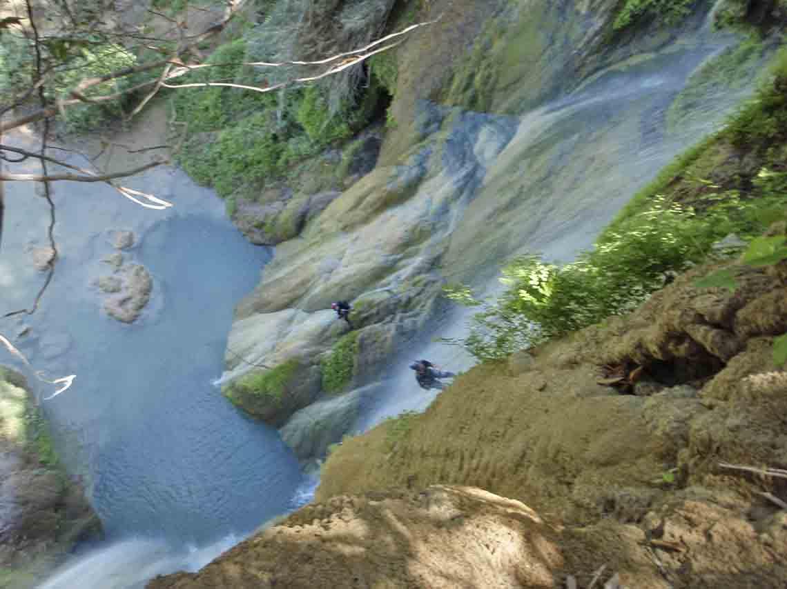 experimenta-aventura-en-mil-cascadas-en-taxco-09