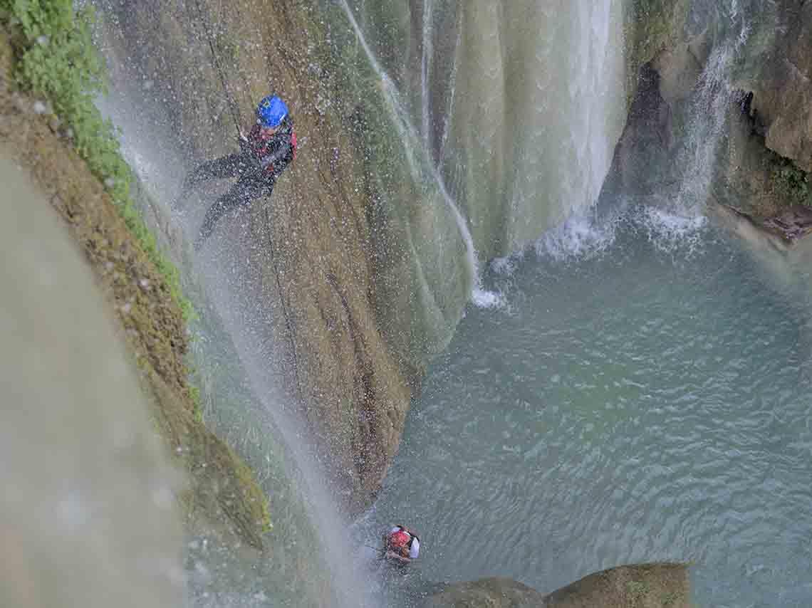 experimenta-aventura-en-mil-cascadas-en-taxco-15