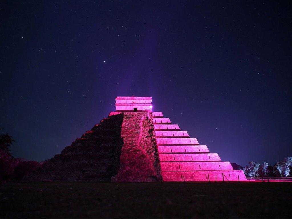 piramides con show de luces