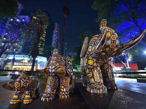 Expo Huichol sobre Reforma 2018