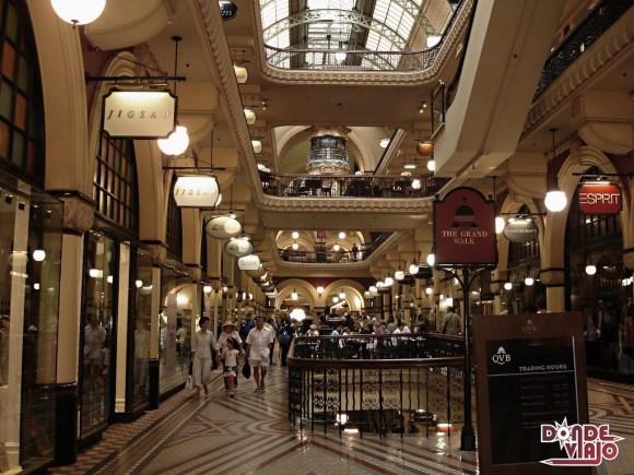 Shopping Queen Victoria