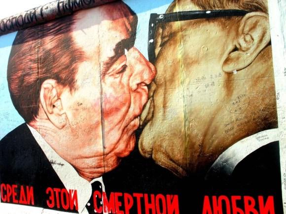 Muro de Berlín con intervenciones artísticas