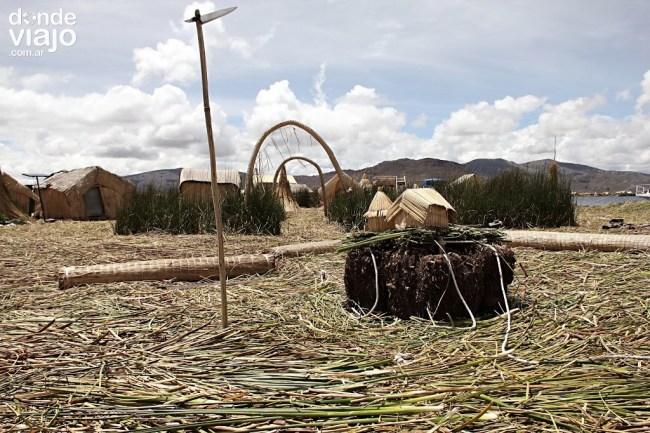 Isla de los Uros, Perú
