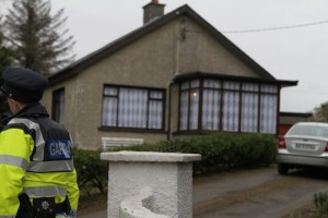 A Ban Garda outside the house of Margaret Lilly.  (NewspixIrl)