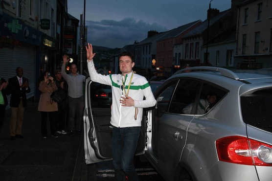 Mark English arrives back in Letterkenny to a huge welcome this evening. Picture by Brian McDaid of Cristeph Studio.
