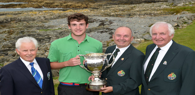 Irish Amateur Youth Champ Kyle collects his winning trophy in Co Down