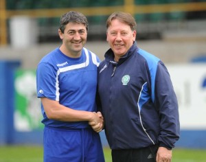 Declan McIntyre, right, with former Harps boss Peter Hutton.