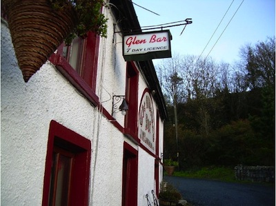 The wonderful Olde Glen Bar. No wonder Santa stopped off!