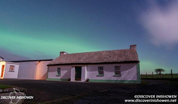 Discover Inishowen @DiscovInishowen Aurora Borealis over Inishowen peninsula,Donegal ,Ireland