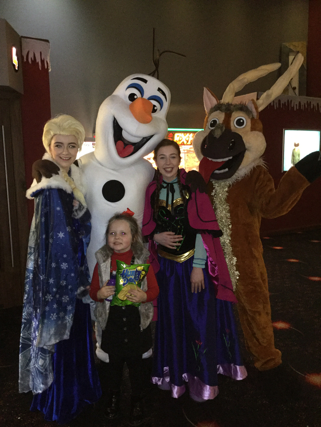 Frozen Christmas Special.Picture Special Frozen Stars Meet Fans At Eclipse Cinemas