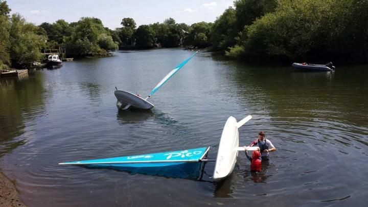 Capsizing & de-capsizing
