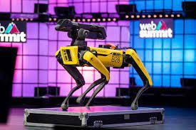 الأذرع الروبوتية تبني الطرق بدون مشتقات نفطية