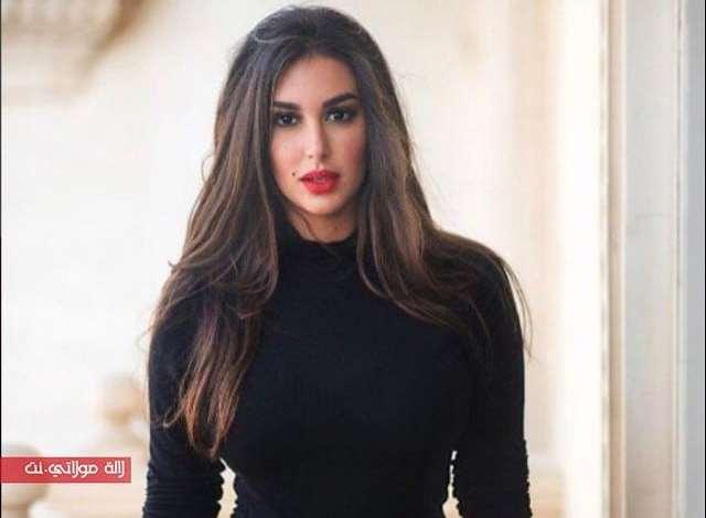 إطلالة مثيرة للفنانة ياسمين صبري في حفل زفاف علي الجميل