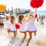 cheerleader-in-spiaggia-con-collant-carne-15