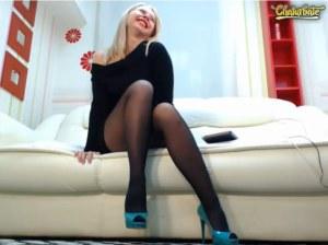 camgirl emma_brooks in collant neri e scarpe con tacco