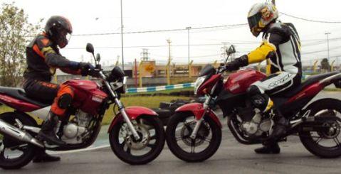 Yamaha Fazer 2012 ou CB 300 da Honda Yamaha Fazer 2012 ou CB 300 da Honda