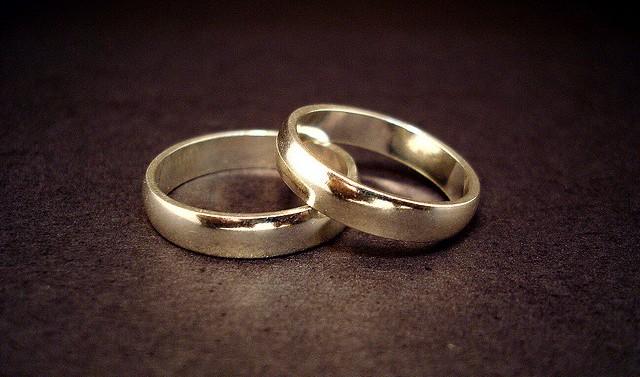 aliança simples para casados