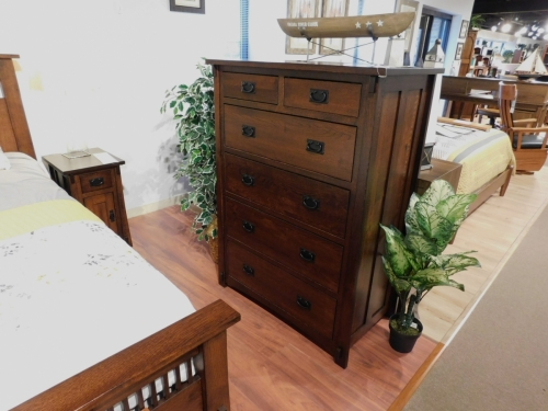 Dutch County Mission 6-Drawer Chest