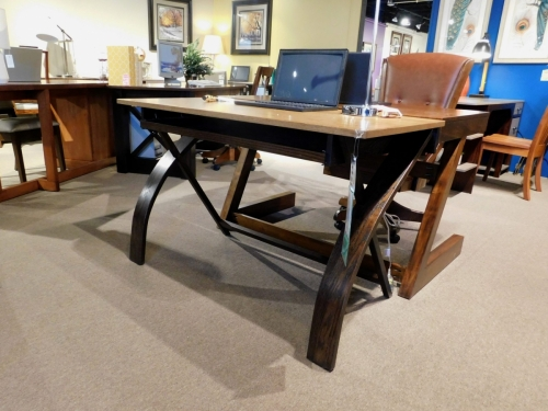 Modern Computer Table with Curved Leg