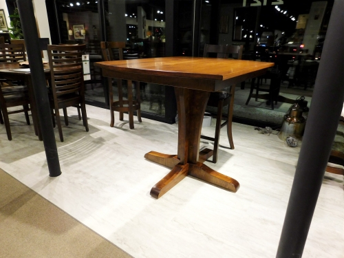 Bistro Height Vine Single Pedestal Table