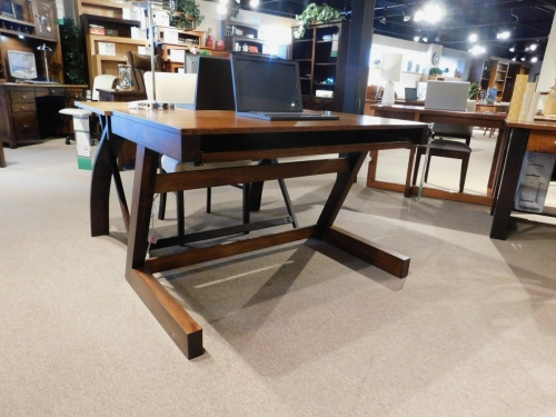 Modern Computer Table with Z-Leg
