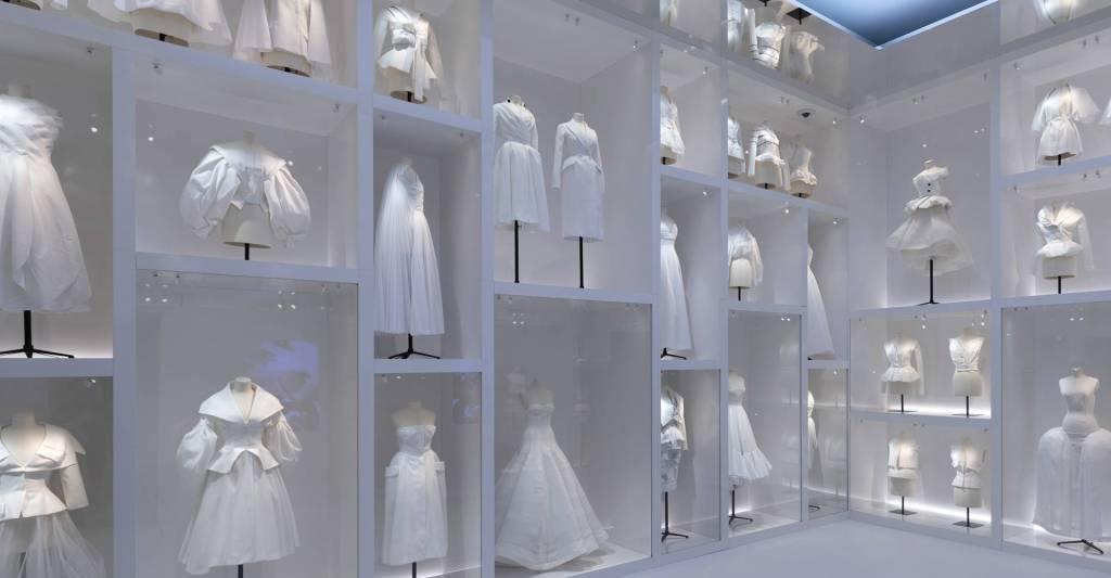 Christian Dior - Designer of Dreams