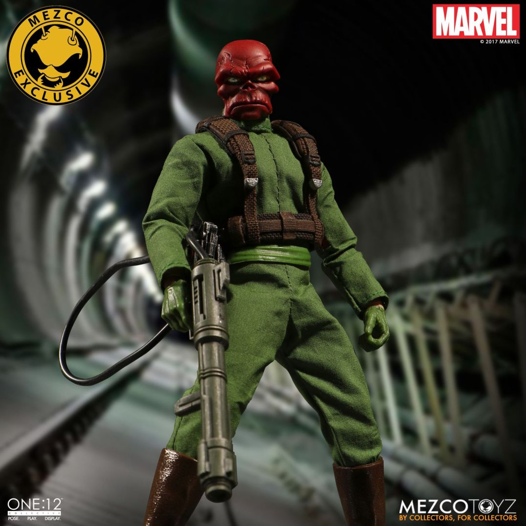 Mezco One12 Red Skull exclusive 04