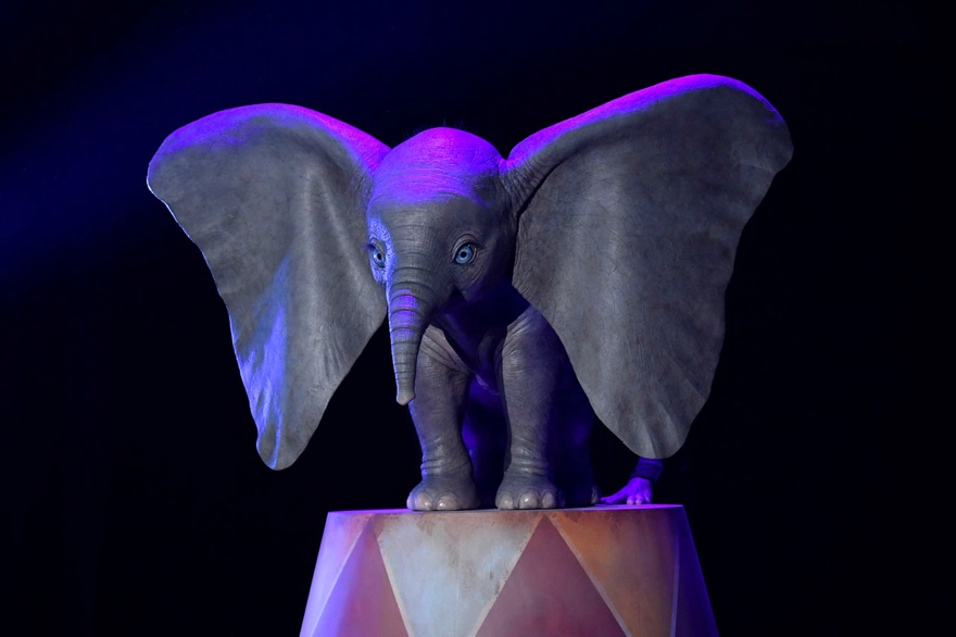 First look at the teaser trailer for Disney's Dumbo from Tim Burton!