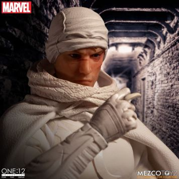 Mezco_Moon_Knight_002