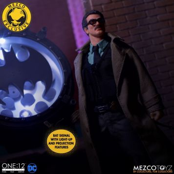 Mezco_One_12_Collective_Commissioner_Gordon_02