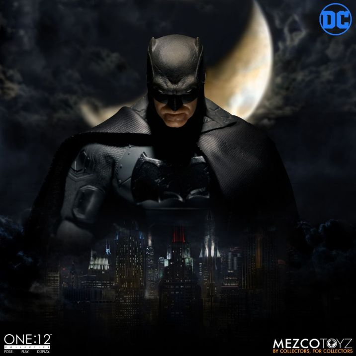 Mezco One12 Supreme Knight Batman 02