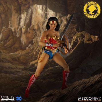 Mezco Wonder Woman Classic 03