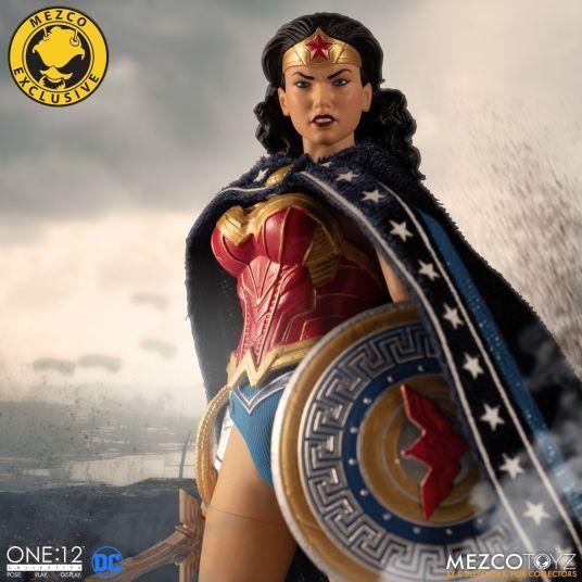 Mezco Wonder Woman Classic 05