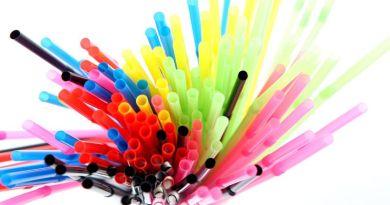 2021-től az egyszer használatos műanyagok betiltásra kerülnek az EU-ban