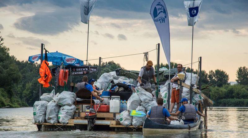 Segítséget kapnak a PET-kalózok