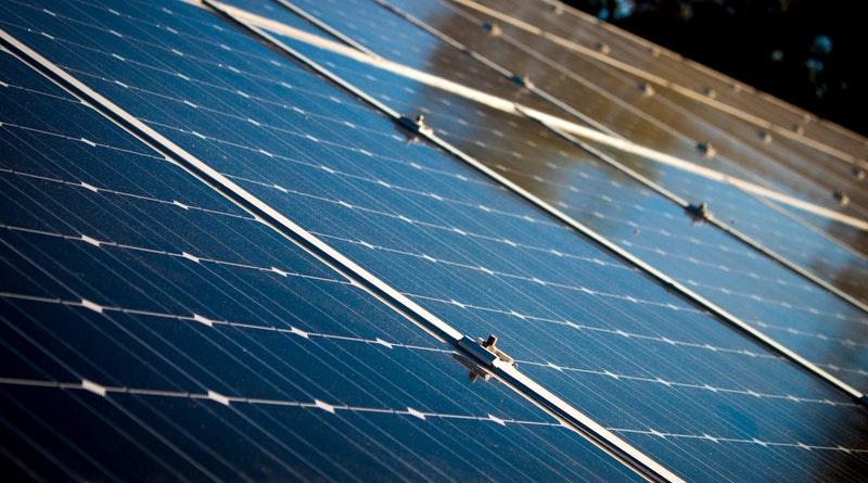 Megkezdte működését a százhalombattai naperőmű