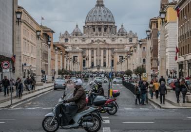 A Vatikán 2019 végére műanyagmentessé válik