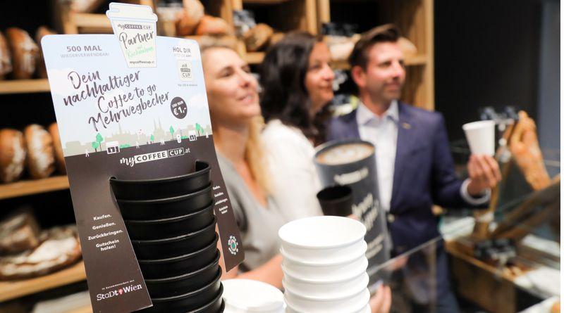Jól működik a bécsi újrahasználható kávés bögre rendszer