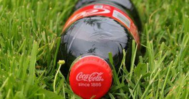 Csomagolási innovációkkal csökkenti környezeti lábnyomát a Coca-Cola Magyarország