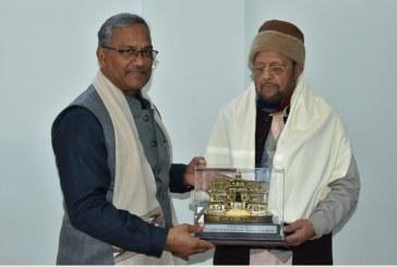 उत्तर प्रदेश के वित्तमंत्री सुरेश खन्ना ने मुख्यमंत्री त्रिवेन्द्र सिंह से भेंट की