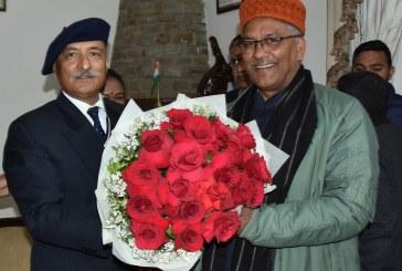 पुलिस महानिदेशक श्री अनिल रतूड़ी एवं अन्य उच्चाधिकारियों ने मुख्यमंत्री को नववर्ष की शुभकामनायें दी