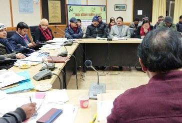 अल्मोड़ा: जिला योजना में स्वीकृत धनराशि को निर्धारित समय अवधि में व्यय करना सुनिश्चित करेंः डीएम