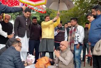 हरिद्वार: अमिताभ बच्चन की समधिन रितु नंदा की अस्थियां गंगा में विसर्जित