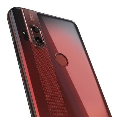 Motorola-one-Hyper_Dark-Amber_Cam-Detail
