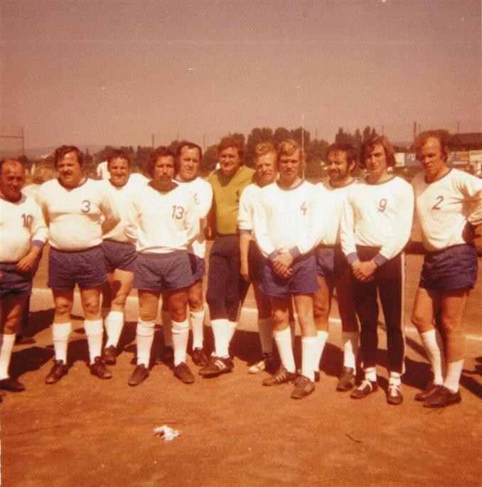 Mannschaft des VfR Fischenich (Foto von und mit Jakob Klug)