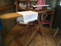 old strijkplank