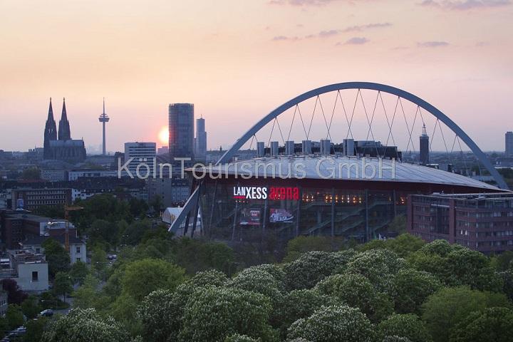 Köln Lanxess Arena & Skyline